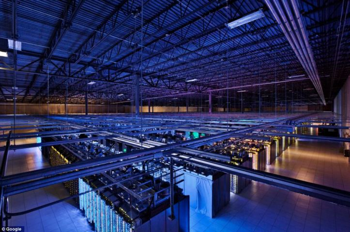 Internal view of Google Server Farm, in Iowa, USA